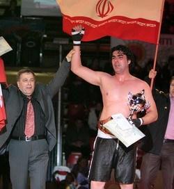 استاد جواد عزیزی در مسابقات جهانی ساداوانک رده سنگین وزن