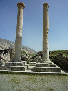 ستون های یادبود