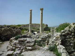 بنای یادبود و حمام های تاریخی