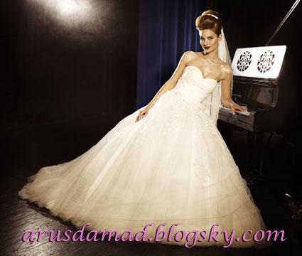 لباس عروس  /> <br /><br /><img complete=