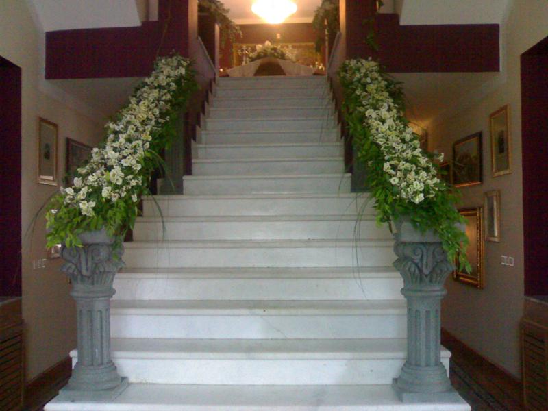 تزئین ورودی باغ و تالار عروسی و نامزدی