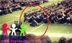 نماز دانشجوی مسلمان آمریکایی
