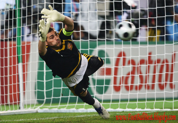 http://s3.picofile.com/file/7405614187/Spain_Vs_Italy_Penalties_Euro_2008_FootBallBest.jpg