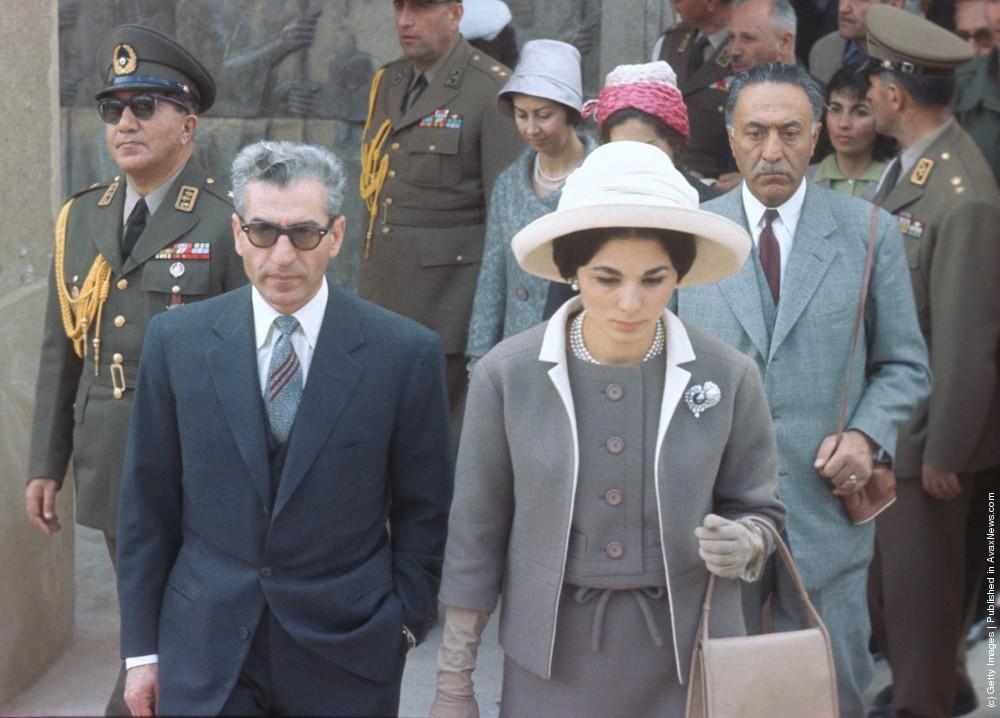 محمدرضا شاه و فرح در پرسپولیس
