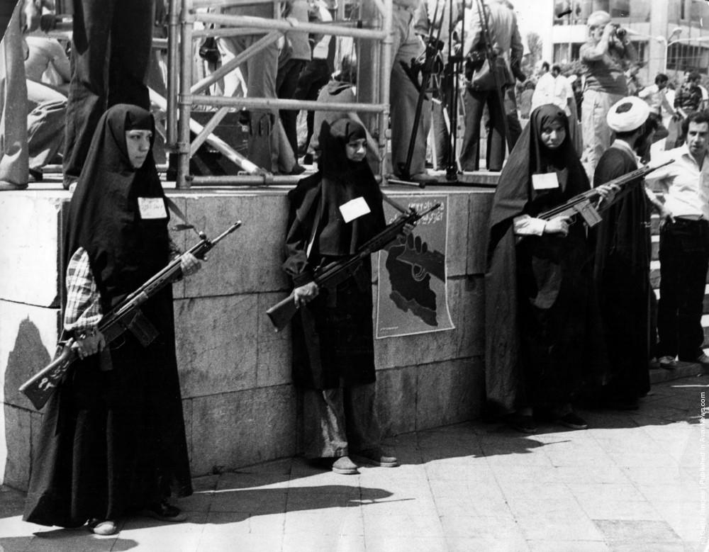 زنان مسلح