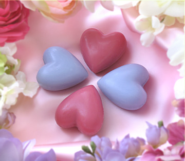 http://s3.picofile.com/file/7457560749/soapfavors_30gramheartsoaps_sub.jpg
