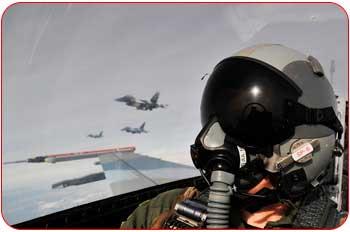 خلبان جنگنده
