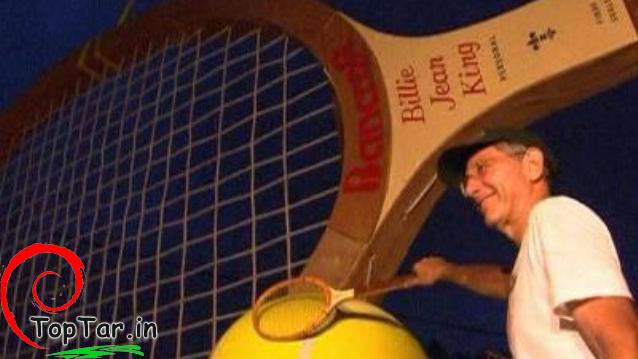 عکس بزرگترین راکت تنیس جهان