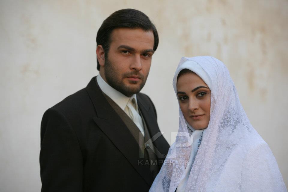 عکس های اناهیتا دری بازیگر سریال کلاه پهلوی
