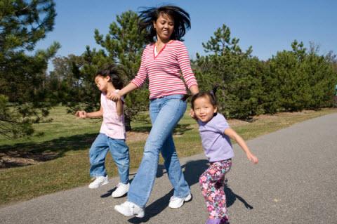 پیادهروی با کودکان