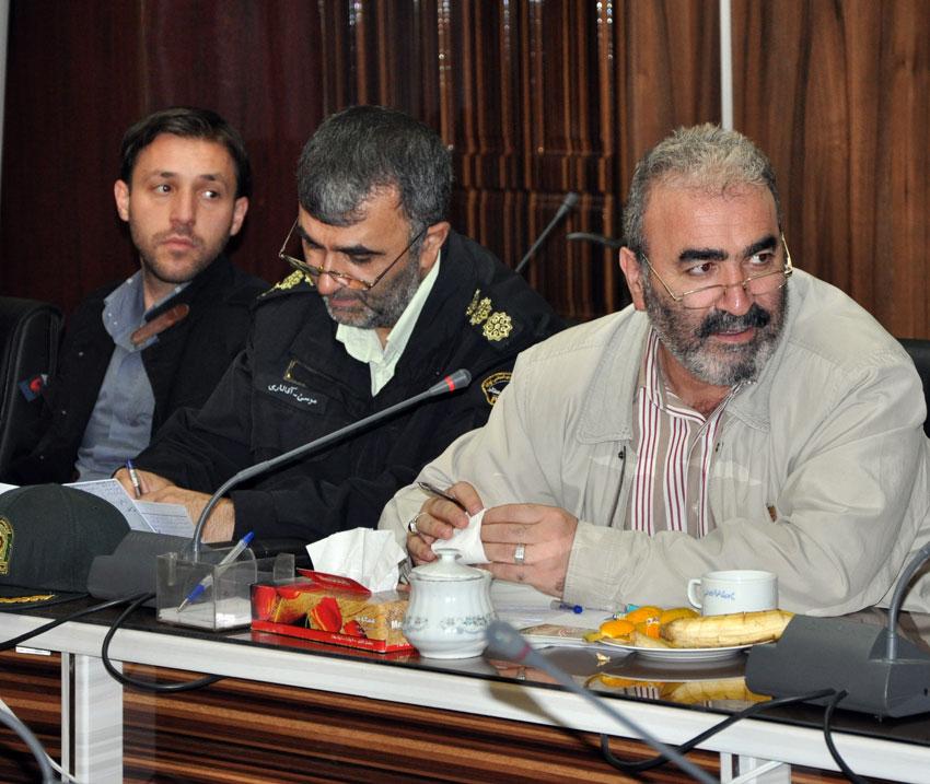 علی علینجاتی سرپرست شعب بانک ملی در آذربایجان شرقی در نشست هيئت امناي دفتر منطقه 7 کمیسیون حقوق بشراسلامی با بزرگان و معتمدين شهر تبريز