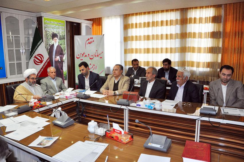 حجت الاسلام والمسلمين مالک اژدر شريفي در نشست هيئت امناي دفتر منطقه 7 کمیسیون حقوق بشراسلامی با بزرگان و معتمدين شهر تبريز