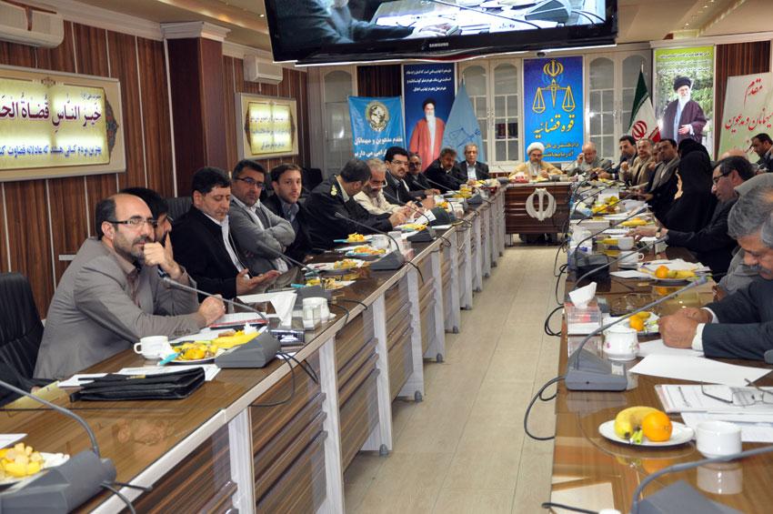 نشست هيئت امناي دفتر منطقه 7 کمیسیون حقوق بشراسلامی با بزرگان و معتمدين شهر تبريز