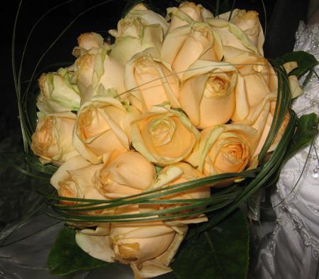 [تصویر: عکس دسته گلتون تو روز عروسی (فقط عکس)]