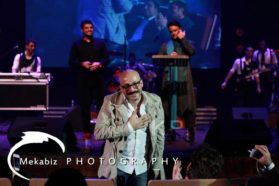 سام درخشانی در کنسرت سهراب پاکزاد