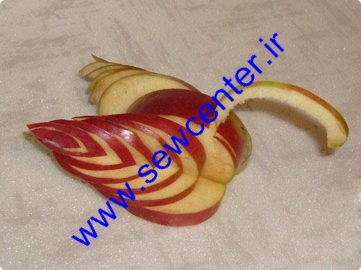 تزیین سیب به شکل قو
