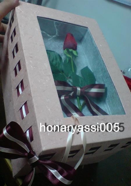 هنرهای یاس - جعبه هدیه و کارت پستال