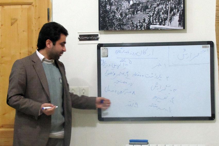 آغاز كارگاه آموزشي روزنامه نگاري حقوق بشردر تبريز با حضور استاد محمد امين خوش نيت