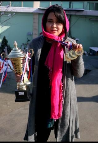 زنان ورزشکار افغانی، وزنه برداری زنان، مسابقات وزنه برداری آسیا، فرشته حسینی، سعدیه ایوبی، تیم ملی پاورلیفتینگ زنان افغانستان،