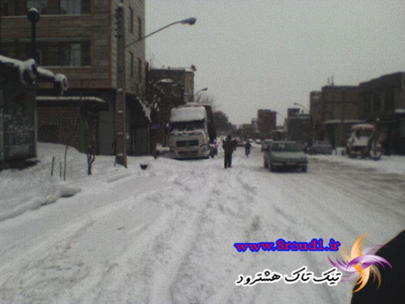 نبود تاکس و برف زیاد باعث مشکل مردم شد