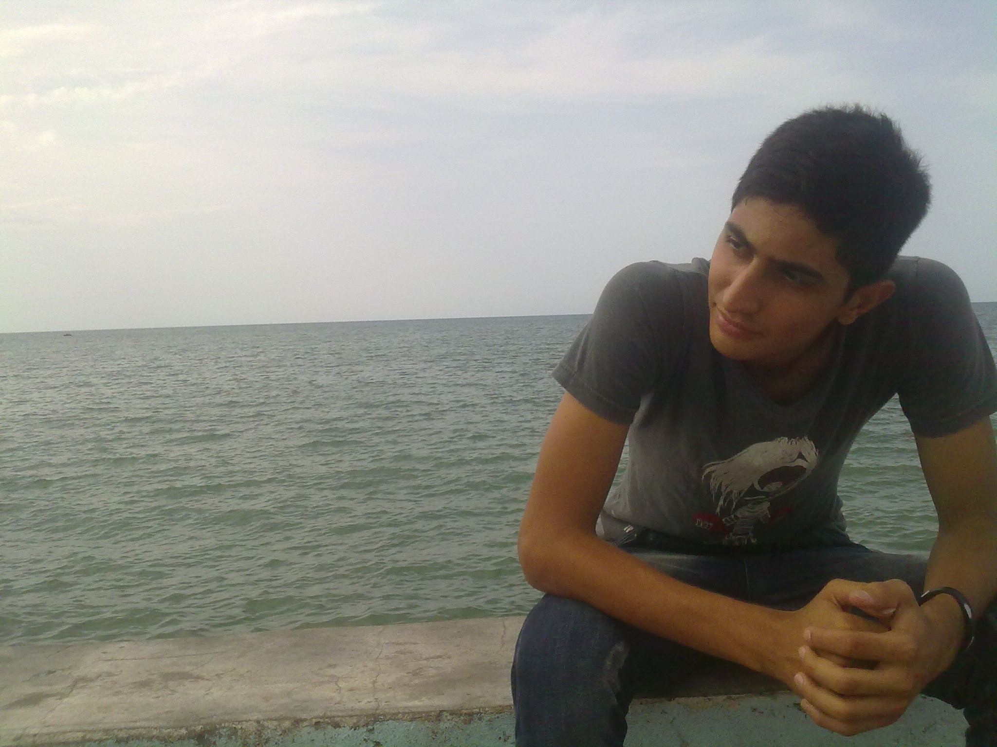 http://s3.picofile.com/file/7621053117/CamarA_ImagE938.jpg