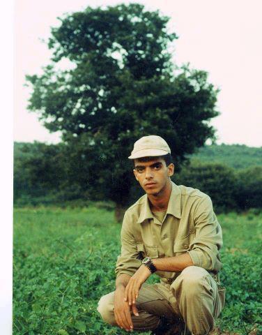 عکس افشین خواننده ایرانی در زمان خدمت سربازی