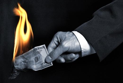 hate money - fire money - burn money - تنفر از پول - آتش زدن پول