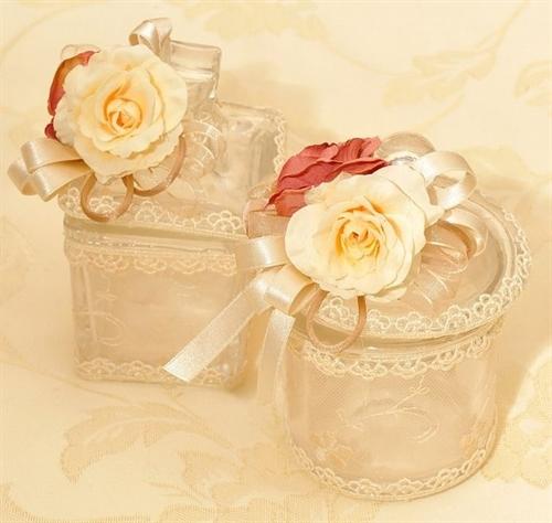 شیشه های تزیینی با گل و روبان