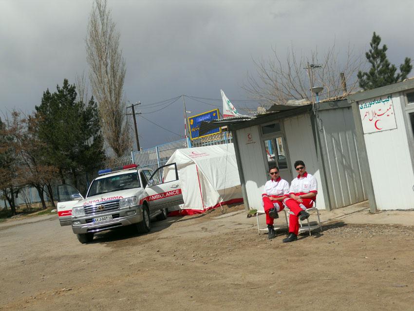 حضور همیاران دفترمنطقه 7 به عنوان اکیپ های امداد نوروزی در جاده های آذربایجان شرقی