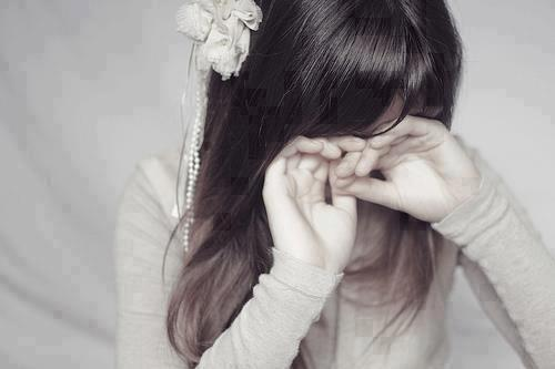 http://s3.picofile.com/file/7725944836/lonely_sad_girls_photo_for_pinterest_1_4ee2a.jpg