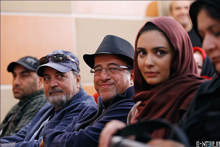 عکس های علیرضا خسمه در مراسم تقدیر از سریال پایتخت 2