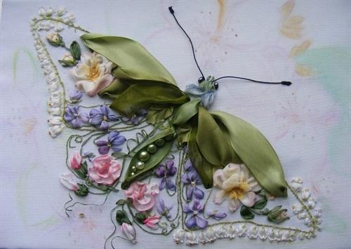 پروانه روبان دوزی شده