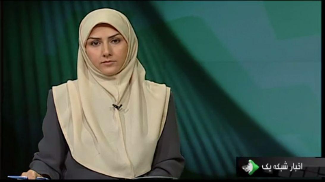 سلفی دو خواهر گوینده شبکه خبر با مادرشان.