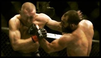 11.18.2013 : Hendricks قول داد مبارزه ی بعدی به رای داوران نکشد   Lawler خواهان مبارزه با Hendricks بر سرِ عنوان   شایعاتی درباره ی مشکلات شخصی GSP