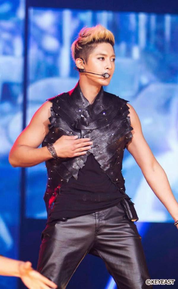 [Photo] Kim Hyun Joong - Japan Mobile Site Update [15.05.08]