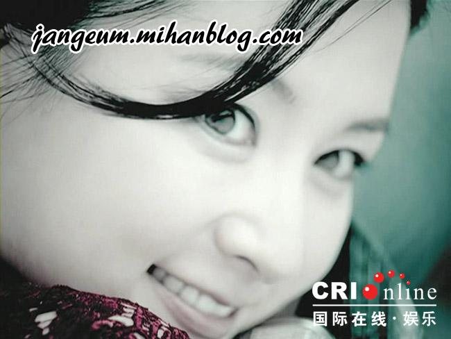 http://s3.picofile.com/file/8188460542/korean_actress_lee_young_ae_pictures_03.JPG
