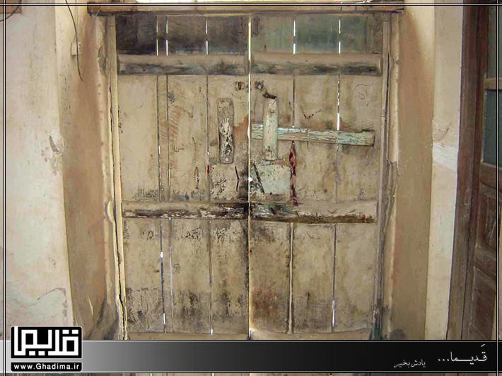 درب چوبی قدیم