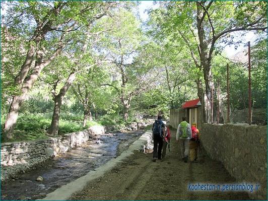 روستای دروان، مسیر قله چشمه نار