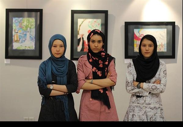آثار نقاشی سه خواهر اهل ولایت دایکندی افغانستان همه را شگفت زده کرد+تصاویر