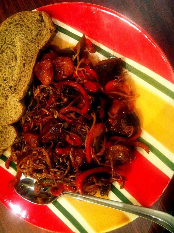 خوراک سوسیس و جوانه