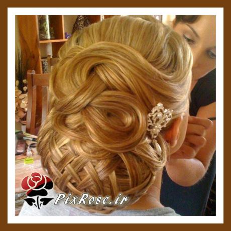 شینیون موی طلایی
