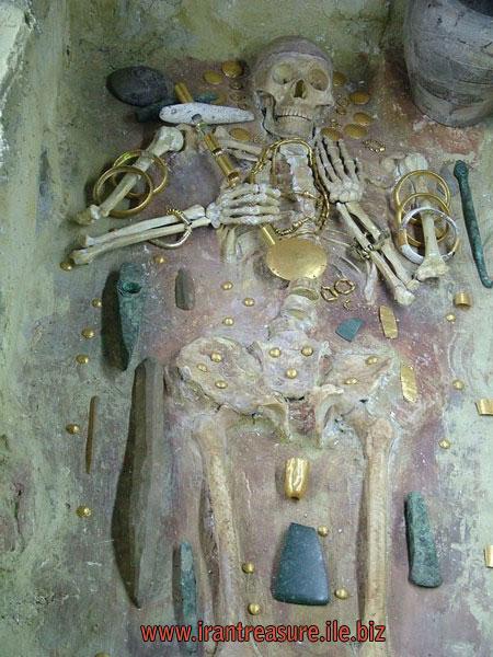 mezar قبرهای باز شده   عکس