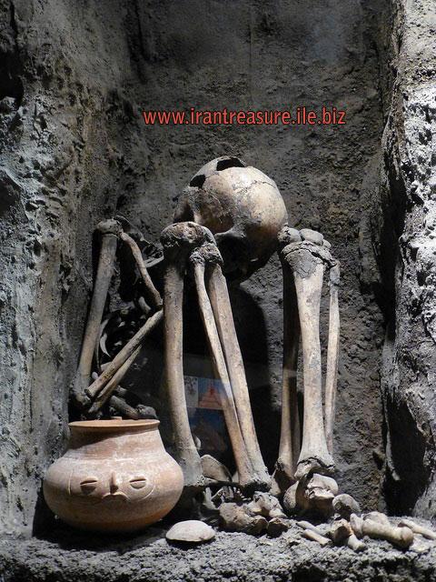 mezar1 قبرهای باز شده   عکس