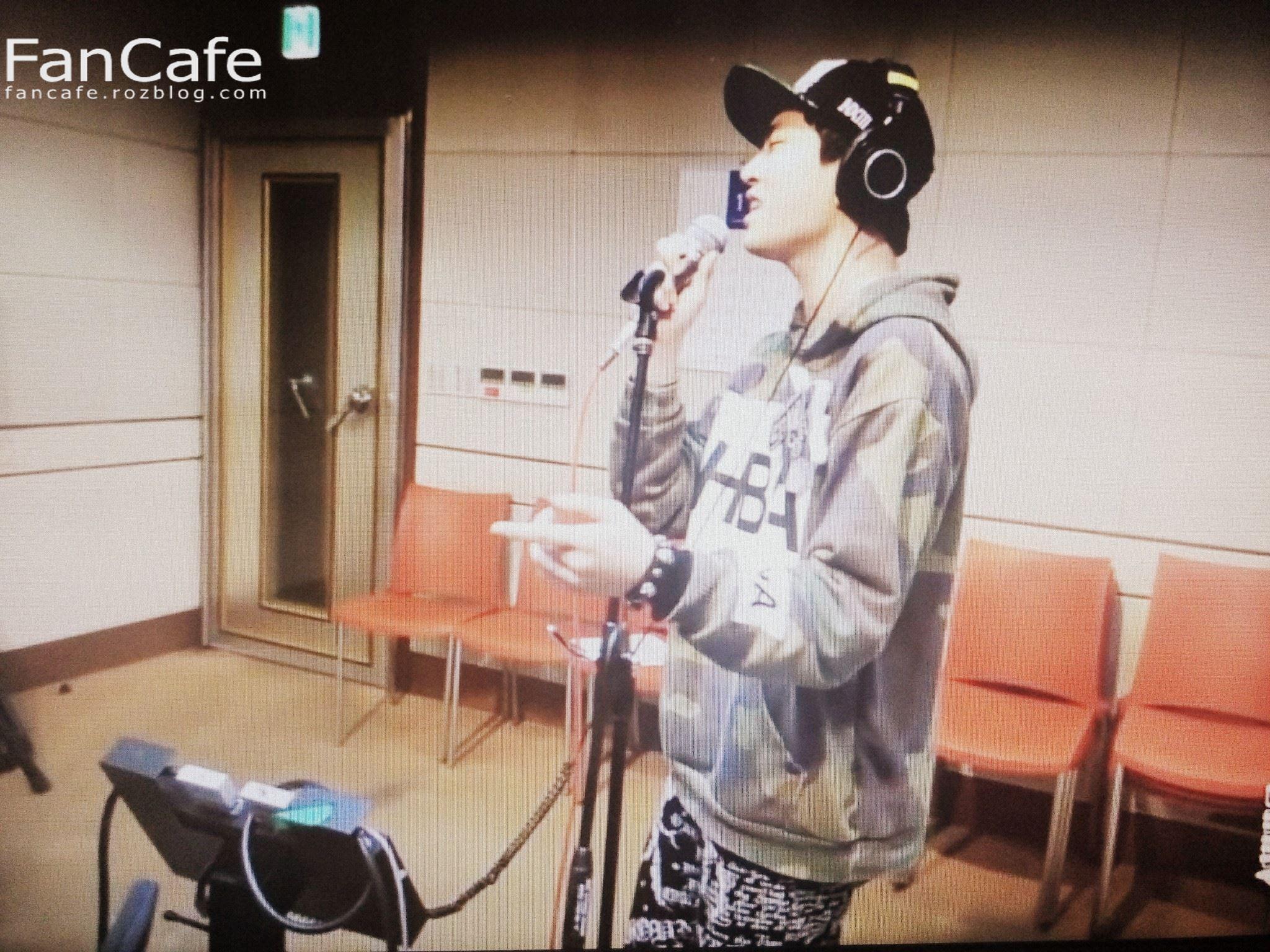 اجرای زنده ی آهنگ Honey با صدای یونگجه
