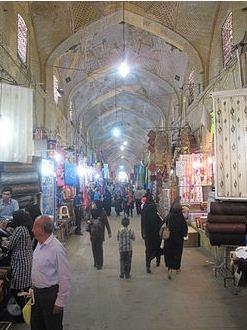 بازار وکیل شیراز بدست کریم خان ساخته شد