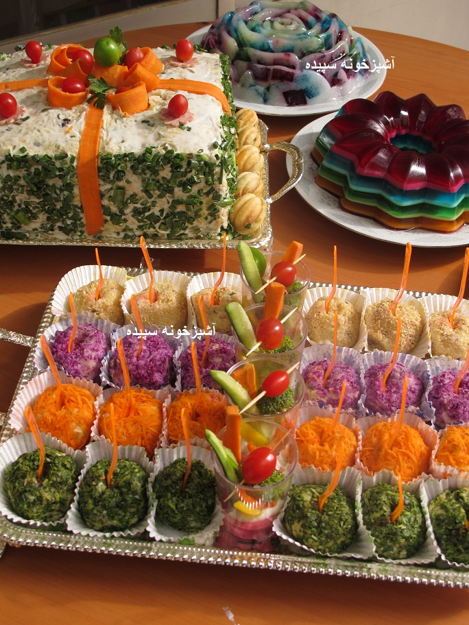 آشپزخونه سپیده - سفارش مهمانی : سالاد توپی ، کیک مرغ ، ته چین ...