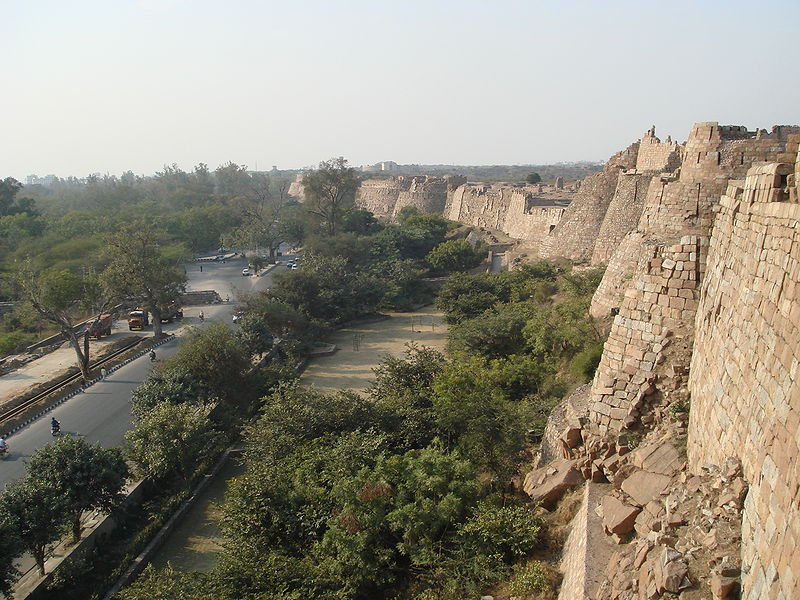 http://s3.picofile.com/file/8196300034/01Tughlaqabad_walls.jpg