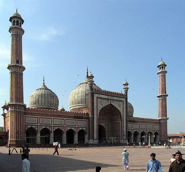 http://s3.picofile.com/file/8196300342/10Jama_Masjid_is_the_largest_mosque_in_India_Delhi_India_2.jpg