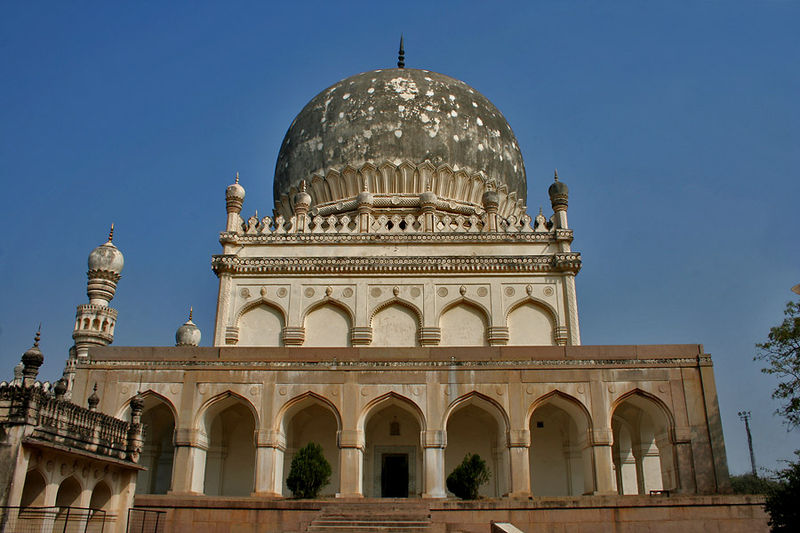 http://s3.picofile.com/file/8196301092/33Tomb_of_Muhammad_Qutb_Shah_in_Hyderabad_W_IMG_4636.jpg