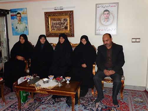 دیدار مدیران مدرسه میثاق شاهد منطقه هفت، با خانواده شهید محمد علی دولت آبادی